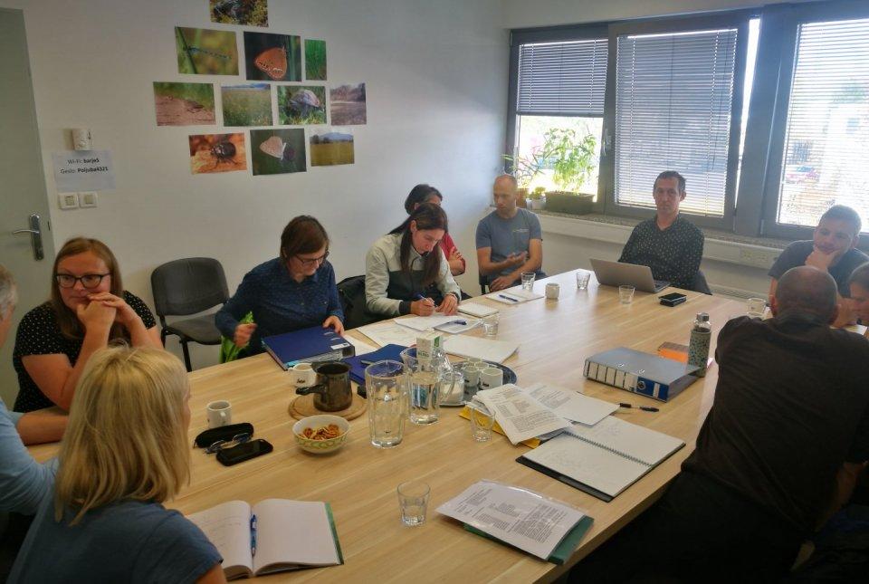 Preverjanje originalnih listin je potekalo v prostorih projektne pisarne Krajinskega parka Ljubljansko barje