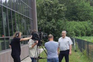 Novinarska konferenca – doselitev barjanskega okarčka – intervju z direktorjem JZ KPLB.